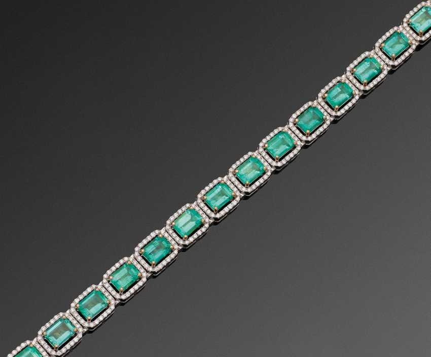 Magnificent jewel bracelet with Colombian emeralds - photo 1