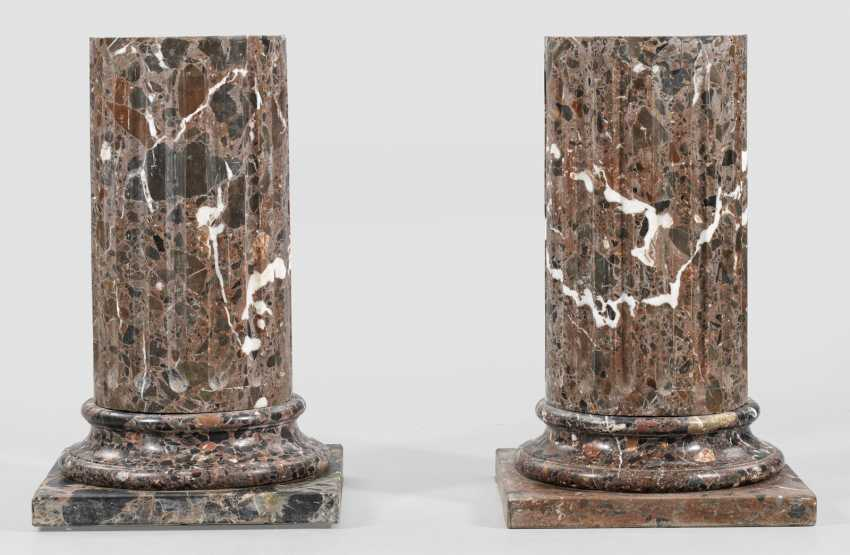 Pair of small marble pillars - photo 1
