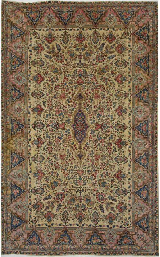 Large Kirman Laver Carpet - photo 1