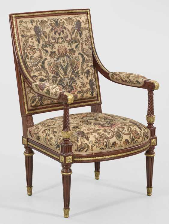 Signed Louis XVI armchair from Garnier - photo 1