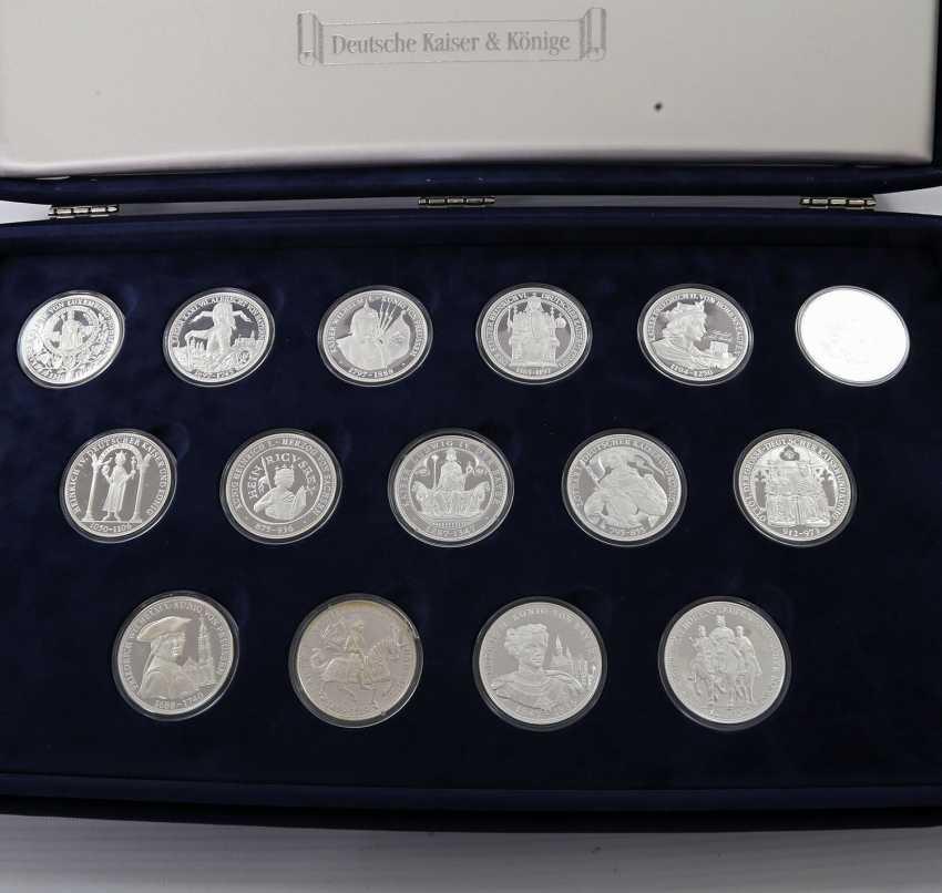 Современная медаль коллекции из 43 шт, ок. 860 чистого серебра - фото 3