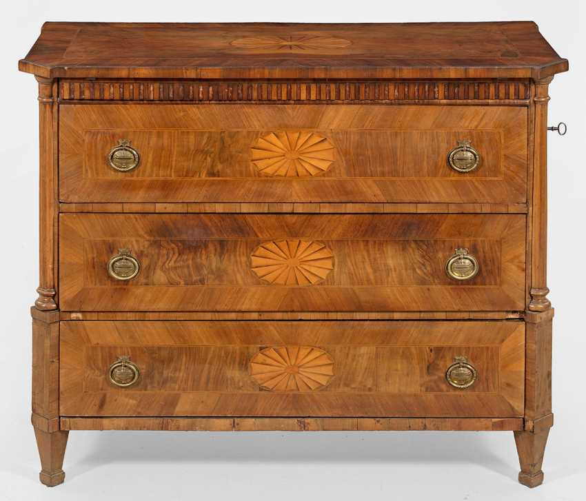 Large Louis XVI chest of drawers with Central locking - photo 1