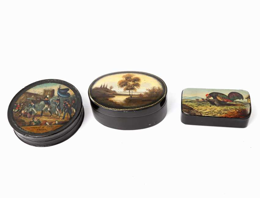 THREE-PIECE COLLECTION OF TOBACCO TINS - photo 3