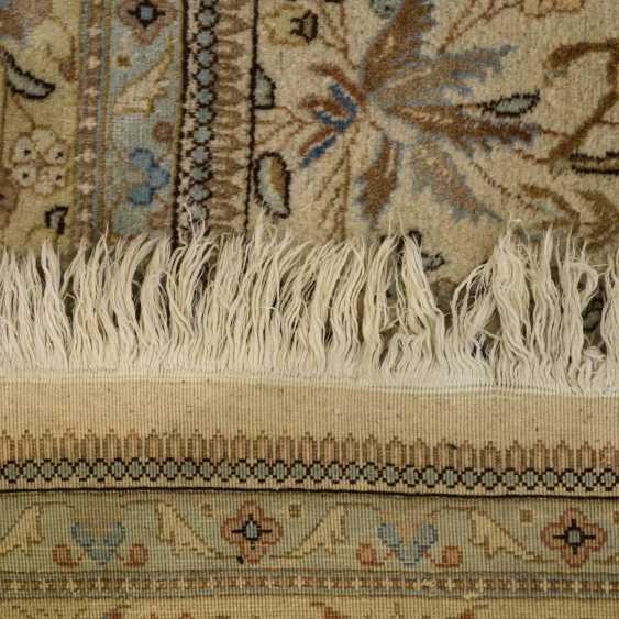 Orient carpet. TÄBRIZ/IRAN, 20. Century, approx. 370x300 cm - photo 2
