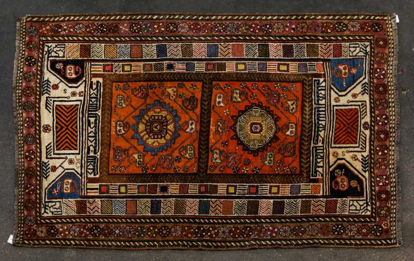 Orient carpet. 20. Century, approx. 177x123 cm - photo 1