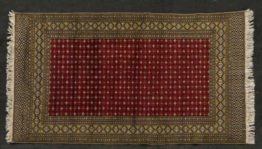 Orient carpet. PAKISTAN, 20. Century, 187x121 cm - photo 1