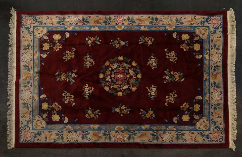 Carpet on the floor. CHINA, 20. Century, 334x244 cm - photo 1
