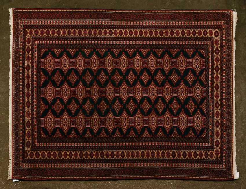 Orient carpet. 20. Century, 146x125 cm - photo 1