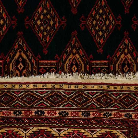 Orient carpet. 20. Century, 146x125 cm - photo 2