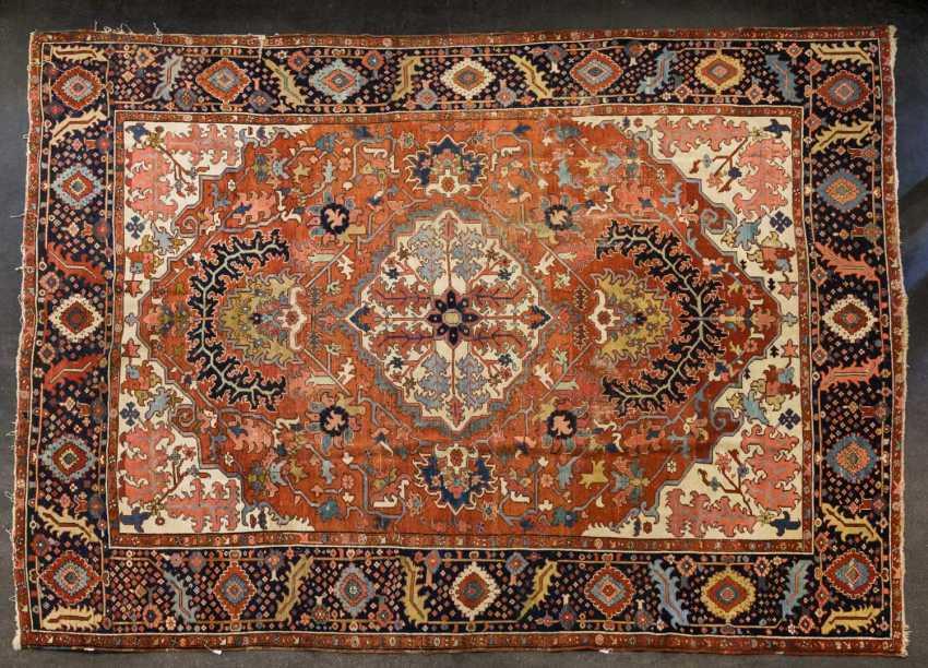 Orient carpet. HERIZ/PERSIA, around 1900, approx. 400x325 cm - photo 1