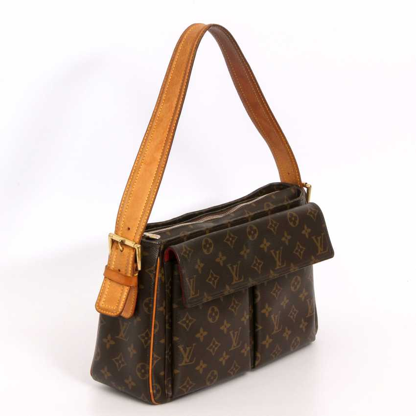 "LOUIS VUITTON practical shoulder bag ""VIVA CITE GM"", collection 2005. - photo 2"