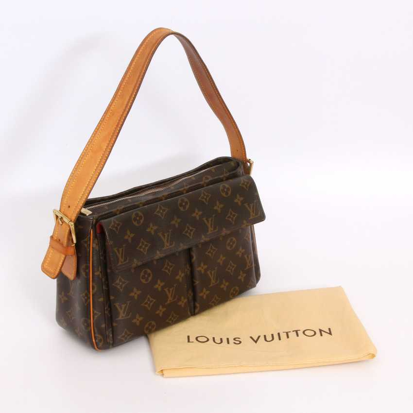 "LOUIS VUITTON practical shoulder bag ""VIVA CITE GM"", collection 2005. - photo 5"