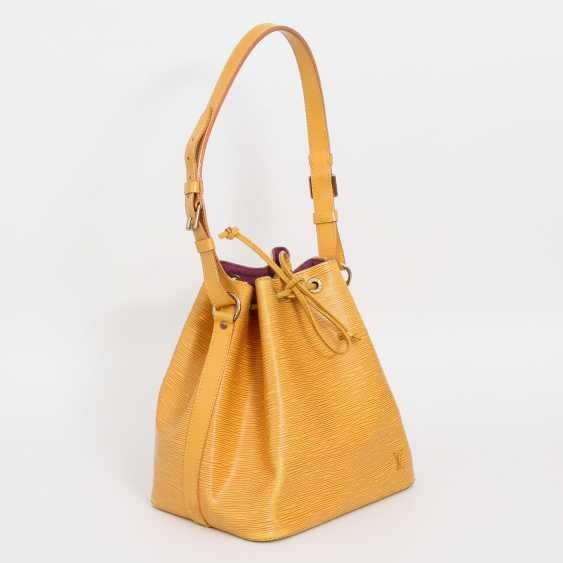"""LOUIS VUITTON VINTAGE elegant shoulder bag """"NOÈ PM"""", collection 1995. - photo 2"""