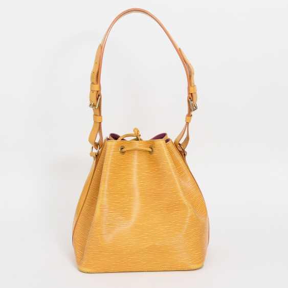"""LOUIS VUITTON VINTAGE elegant shoulder bag """"NOÈ PM"""", collection 1995. - photo 4"""