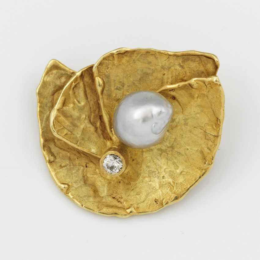 Vintage brooch from the 80s with Baroque pearl - photo 1