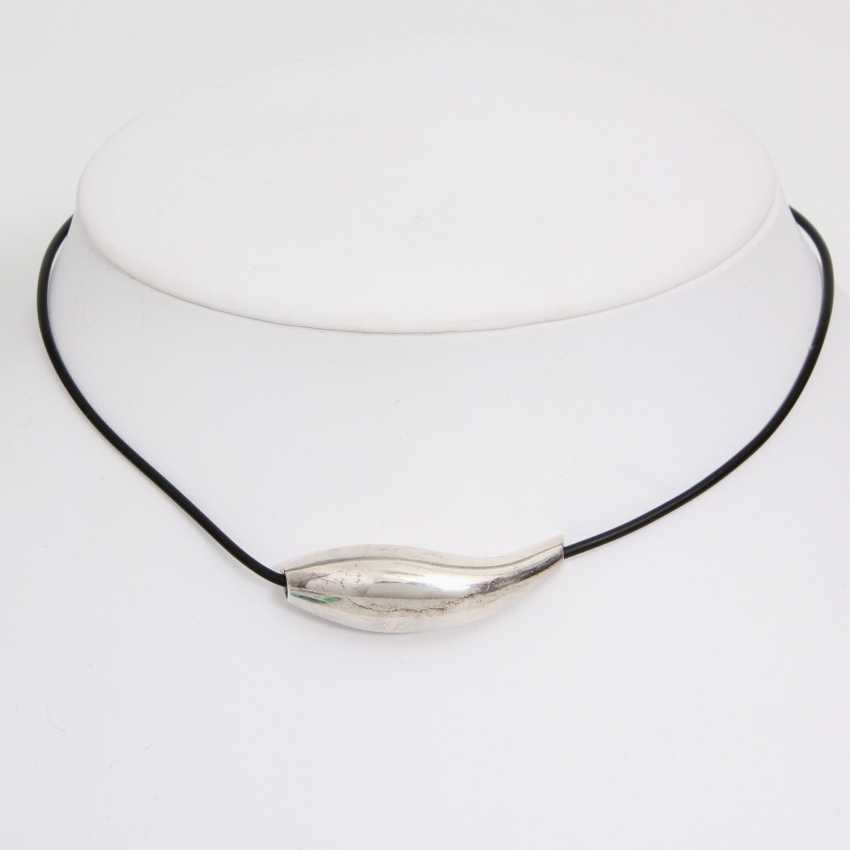 TIFFANY&co. vintage leather collar with a pendant. - photo 1