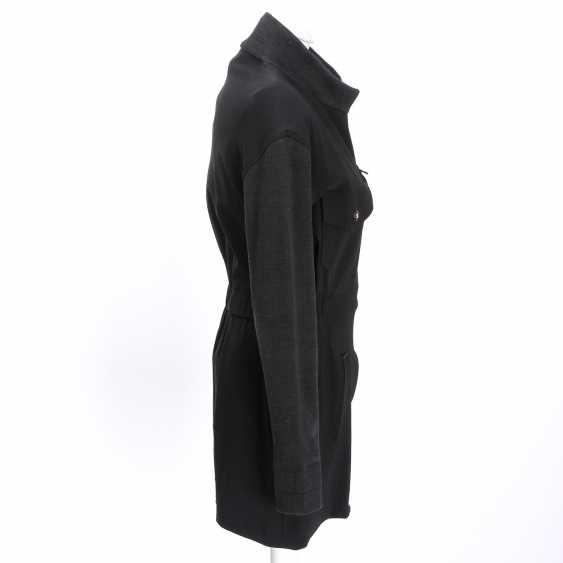 CHANEL sporty jacket, size 38. - photo 3