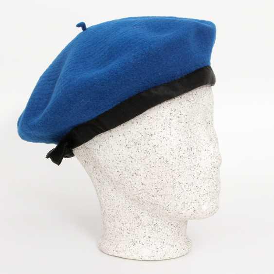 CHANEL adorable Vintage beret; - photo 1