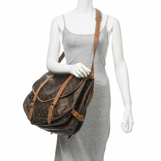 """LOUIS VUITTON VINTAGE shoulder bag """"SAUMUR DOUBLE STRAPS"""", in the collection in 1997. - photo 2"""
