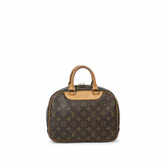 """LOUIS VUITTON handbag """"TROUVILLE PM"""", collection 2004. - photo 1"""