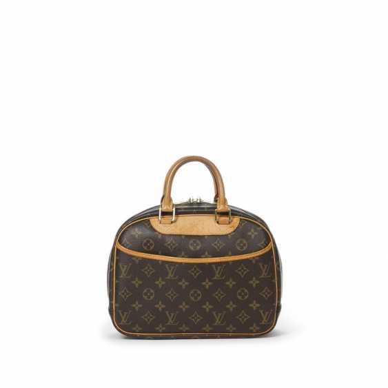 """LOUIS VUITTON handbag """"TROUVILLE PM"""", collection 2004. - photo 3"""
