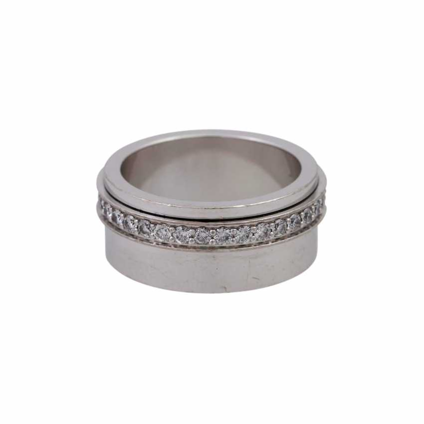 """PIAGET Ring """"Possession"""" with a mobile brilliant band - photo 1"""