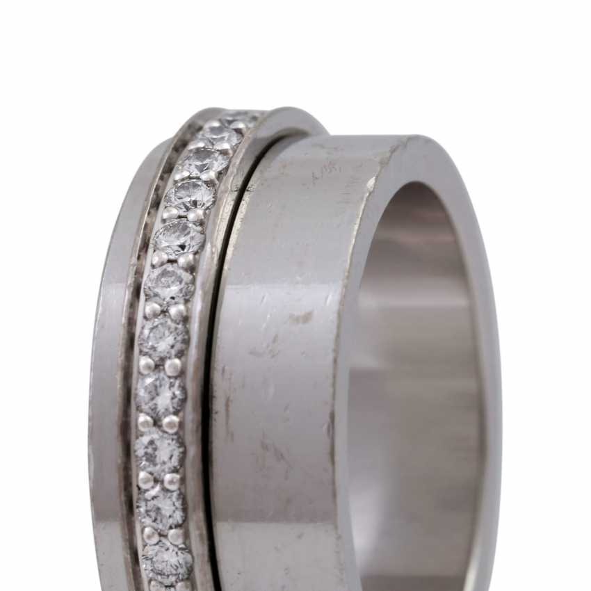 """PIAGET Ring """"Possession"""" with a mobile brilliant band - photo 5"""