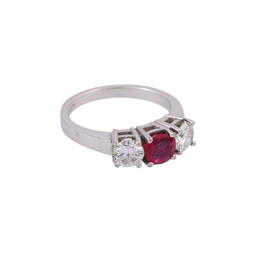 Ring with ruby and 2 diamonds - photo 2