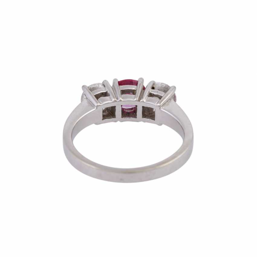 Ring with ruby and 2 diamonds - photo 4