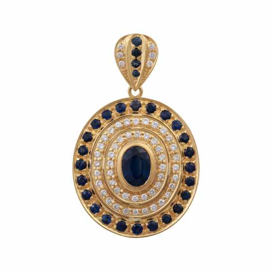 Pendant with an oval sapphire, approx 1.8 ct, - photo 1