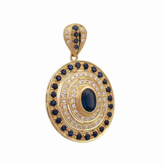Pendant with an oval sapphire, approx 1.8 ct, - photo 2