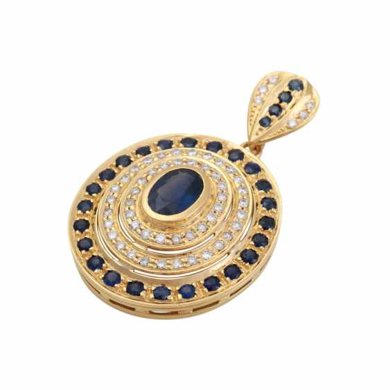 Pendant with an oval sapphire, approx 1.8 ct, - photo 3