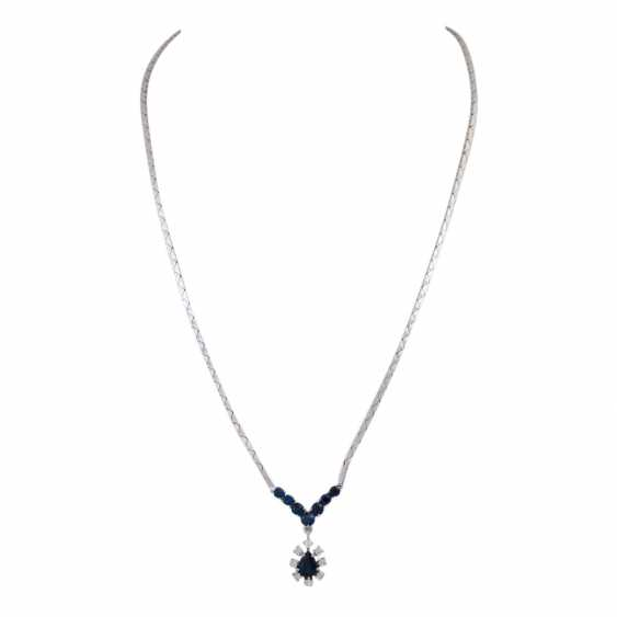 Necklace with 8 sapphires in the middle 1 drop of entouriert of 8 brilliant-cut diamonds, - photo 1