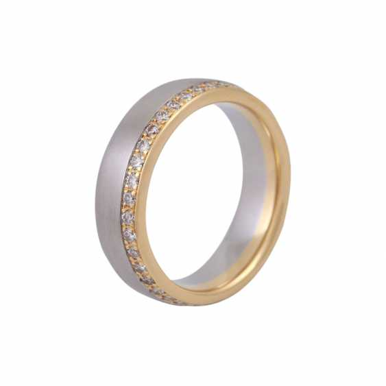 Ring, around bes. with brilliant-cut diamonds, together CA. 0,75 ct - photo 4