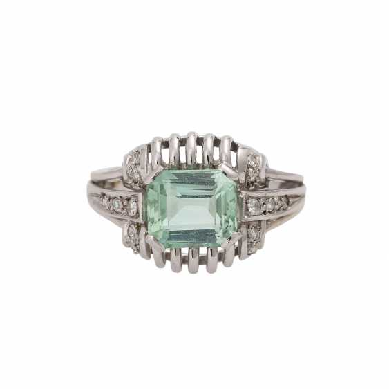 Ring with light green tourmaline, approx. 2,3 ct, - photo 4