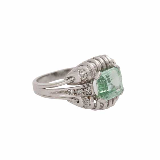Ring with light green tourmaline, approx. 2,3 ct, - photo 1