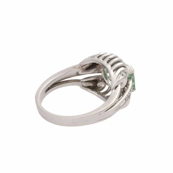 Ring with light green tourmaline, approx. 2,3 ct, - photo 2