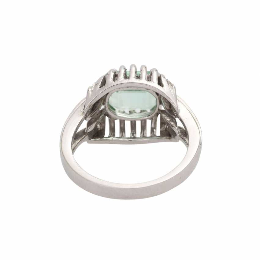 Ring with light green tourmaline, approx. 2,3 ct, - photo 3