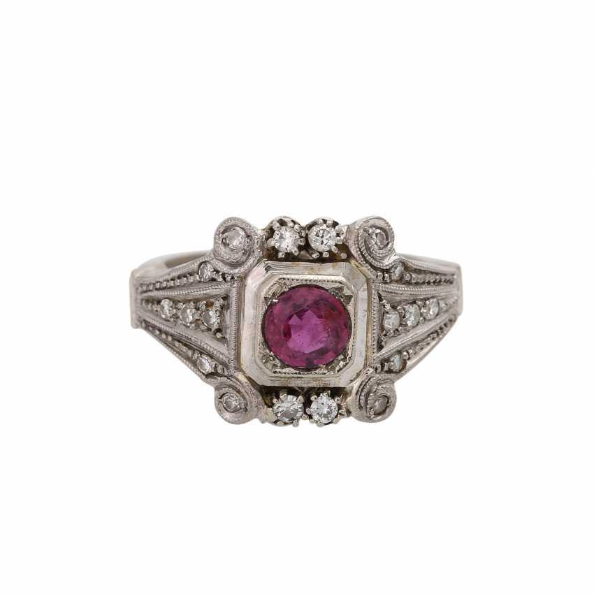 Art Deco Ring mit Rubin und Diamanten, - photo 1