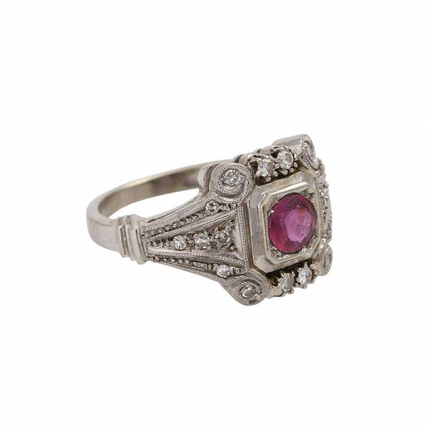 Art Deco Ring mit Rubin und Diamanten, - photo 2
