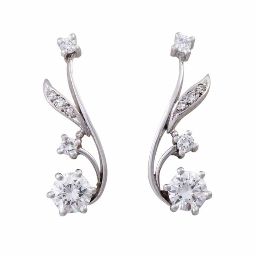 Stud earrings with brilliant-cut diamonds, together CA. 1 ct, FW (F-G)/VS-VVS, - photo 1