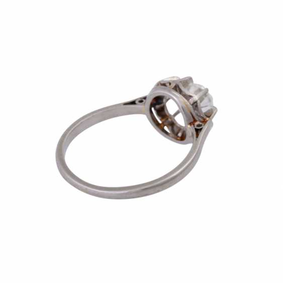 Solitaire ring with old European cut diamond of approximately 1 ct, - photo 3