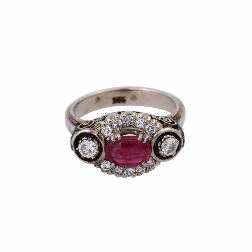 Ring mit ovalem Rubincabochon, ca. 0,5 ct - photo 1