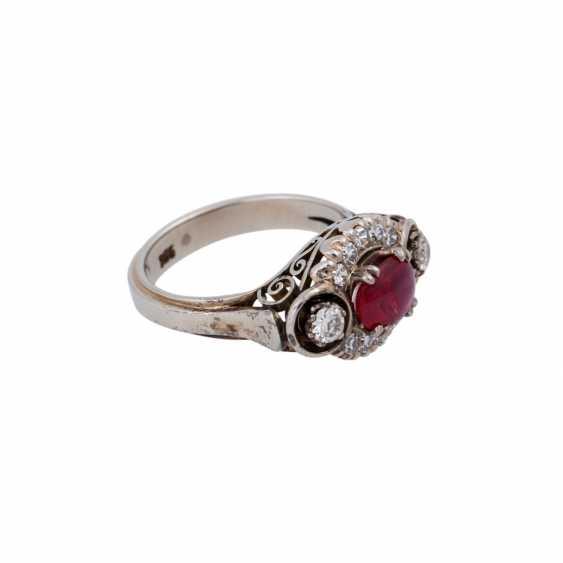 Ring mit ovalem Rubincabochon, ca. 0,5 ct - photo 2