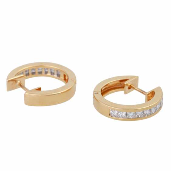 Earrings bes. with 18 diamonds together approx 1.8 ct, - photo 3