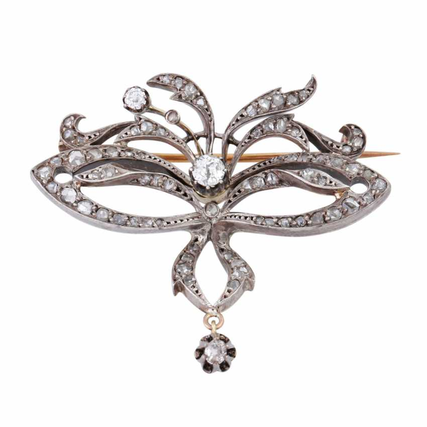 Art Nouveau brooch with diamonds together approx 0.5 ct, - photo 1