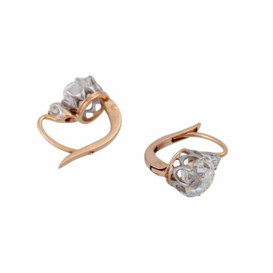 Pair of earrings with old European cut diamonds, together approx. 2,4 ct, - photo 3