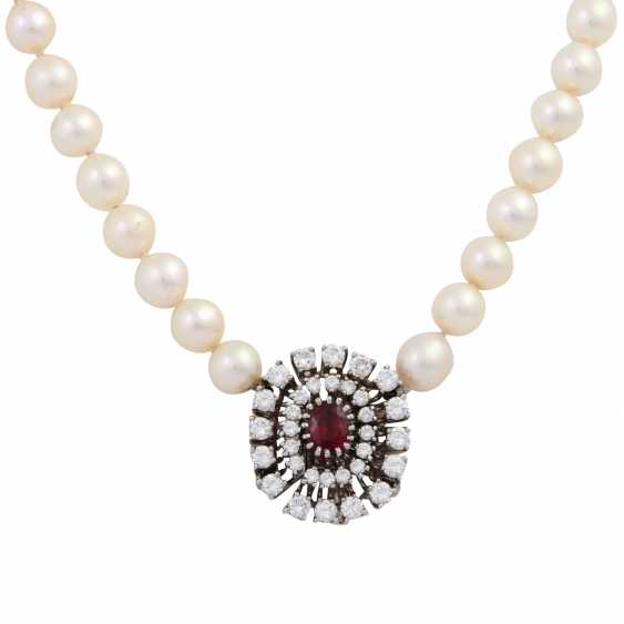 Pearl necklace with jewels-jewelry clasp, - photo 2