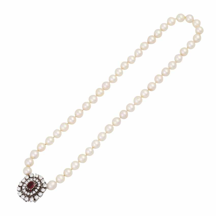 Pearl necklace with jewels-jewelry clasp, - photo 3