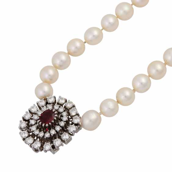 Pearl necklace with jewels-jewelry clasp, - photo 4